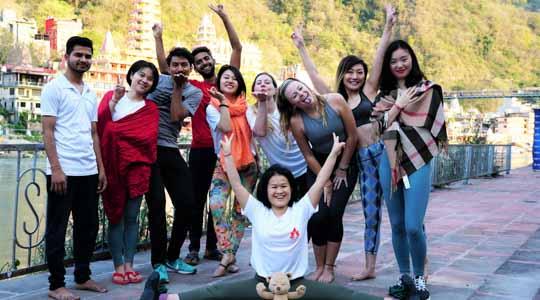 200 hour yoga teacher training course in rishikesh