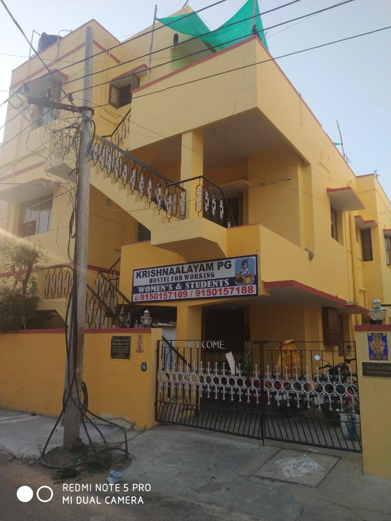 ladies hostel lowest rental in Velacherry