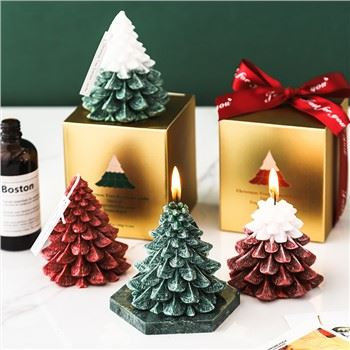 Wholesale OEM Special Fragrance For Your Home&Gifts Pine Cone Shaped Christmas Tree Scents Candles30